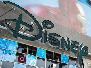 Facebook, Twitter execs to leave Disney board