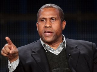 Tavis Smiley Sues PBS For Breach Of Contract