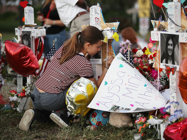 Florida high school shooting: More deputies under investigation for response, report says