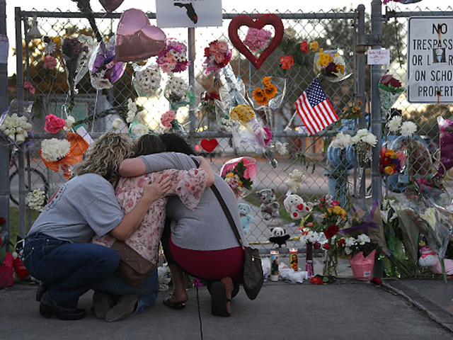 Memorial for Parkland school shooting victims dismantled
