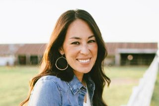 Joanna Gaines shows baby bump on 40th birthday